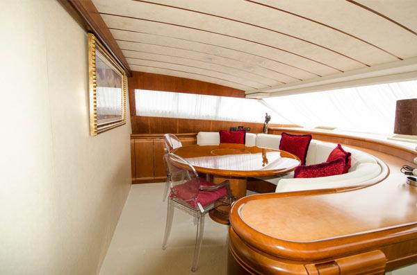 wrapping interiores mallorca Ejemplo de acabado en Ferretti 80
